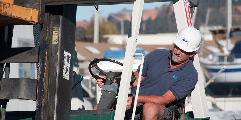 KKMI Premier Bay Area Boatyard Haulout Loading 4